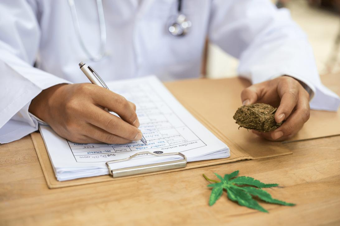 medicalcannabis-backg-min